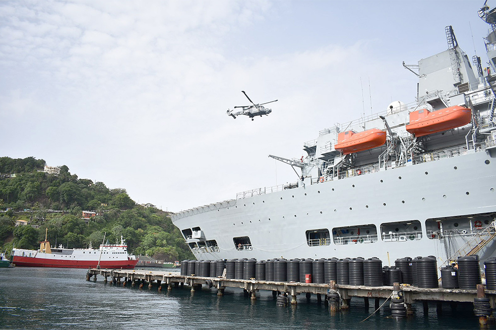 Royal Navy delivers 75 tonnes of aid to SVG