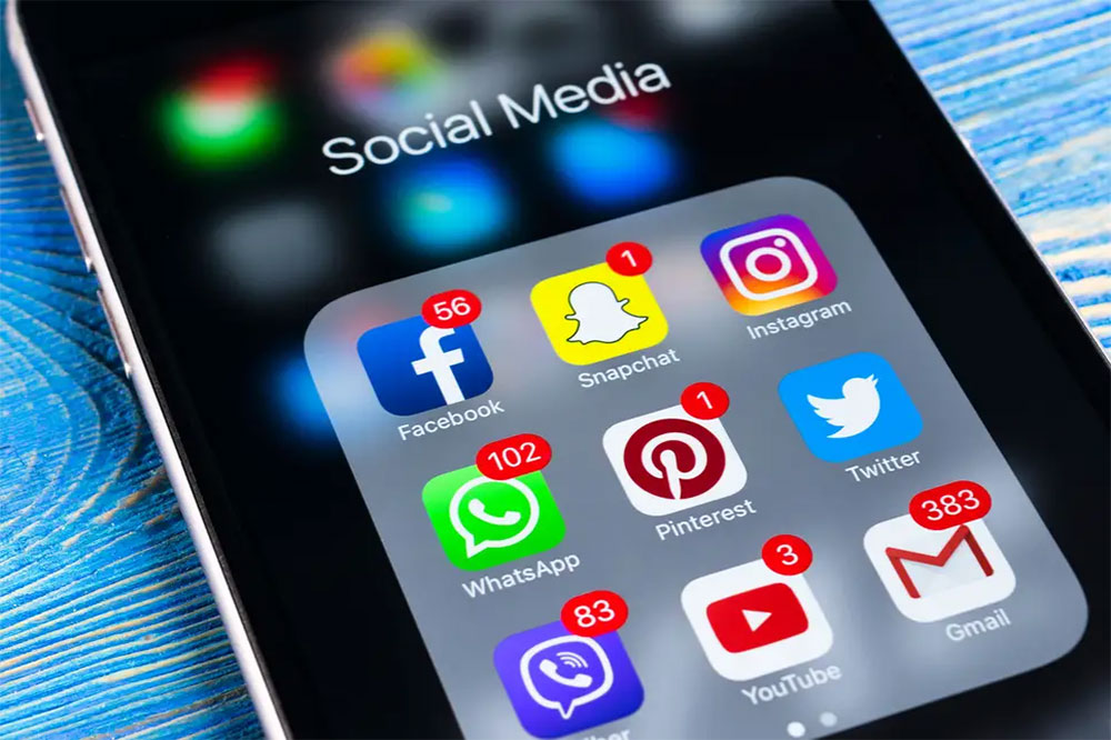 'Social Media' puts the power back in the hands customers