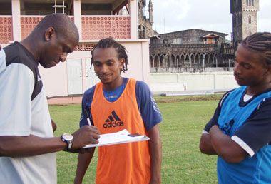 Hendrickson seeking out young Vincentian Football talent