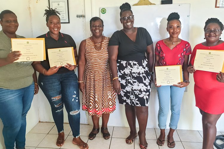 SVGSCE presents  bursaries  to seven students